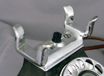 Leich Model 90 - Chrome Cradle Front View