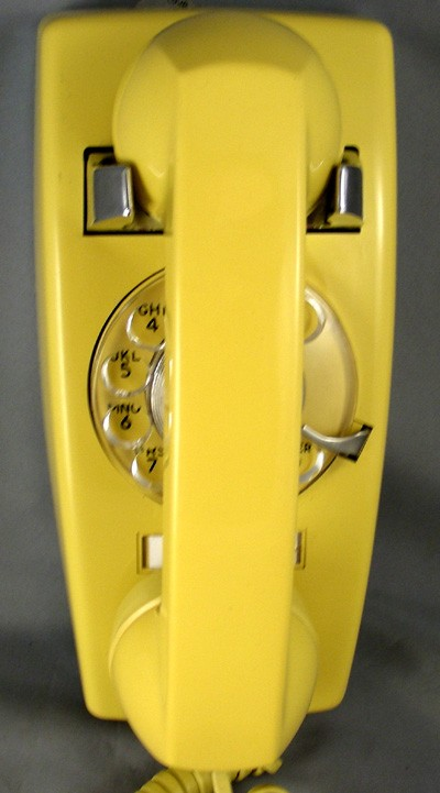 Stromberg Carlson 1654 - Yellow Front View