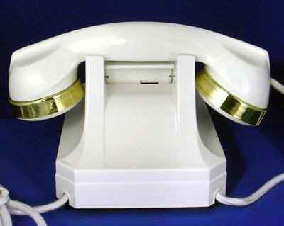 Stromberg Carlson model 1243 - white with Brass Trim Front View