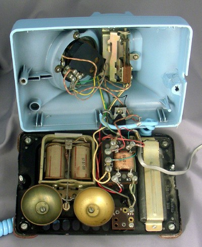 Western Electric Aqua Blue Model 302 Front View