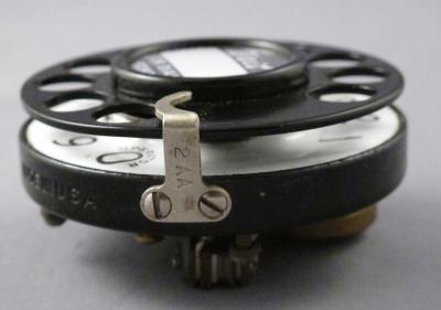 2AA Dial Notchless - Fingerstop View