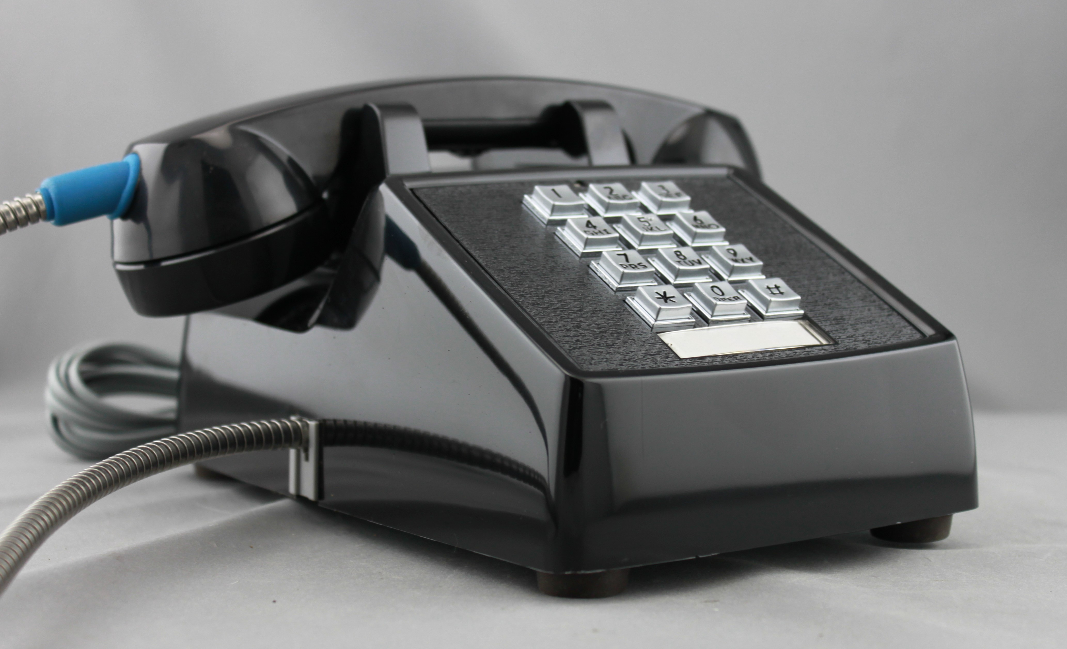 2500 Armored Desk Phone